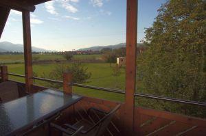 Großer Balkon zum Sitzen und Entspannen